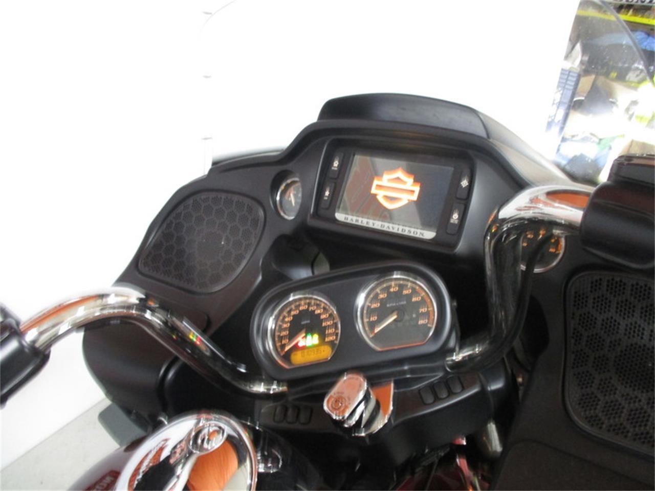 Large Picture of '17 FLTRU - Road Glide® Ultra - MB0I
