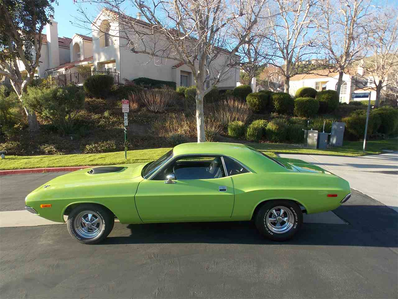 Large Picture of '72 Challenger - MFX8