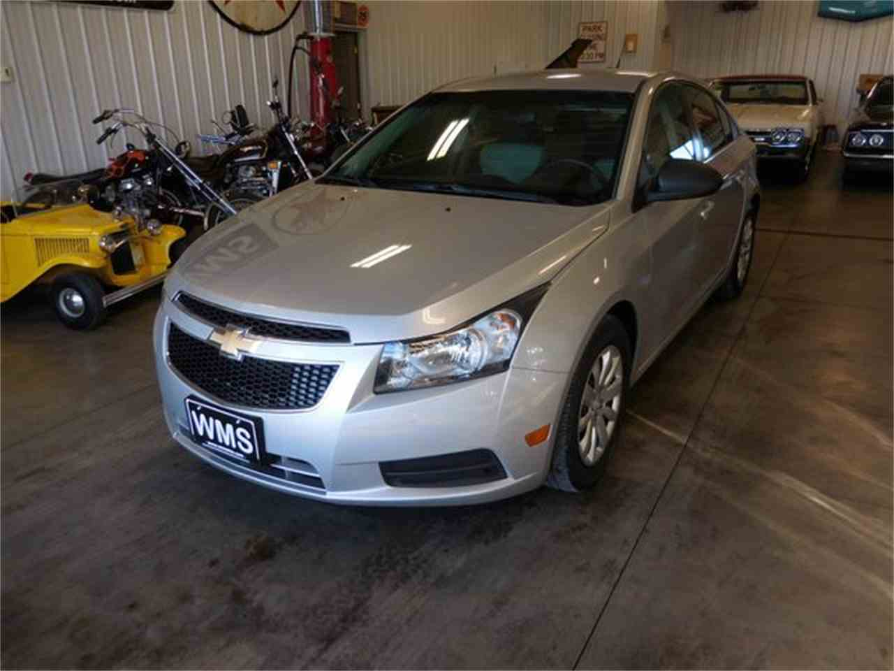 Large Picture of '11 Cruze - MG25