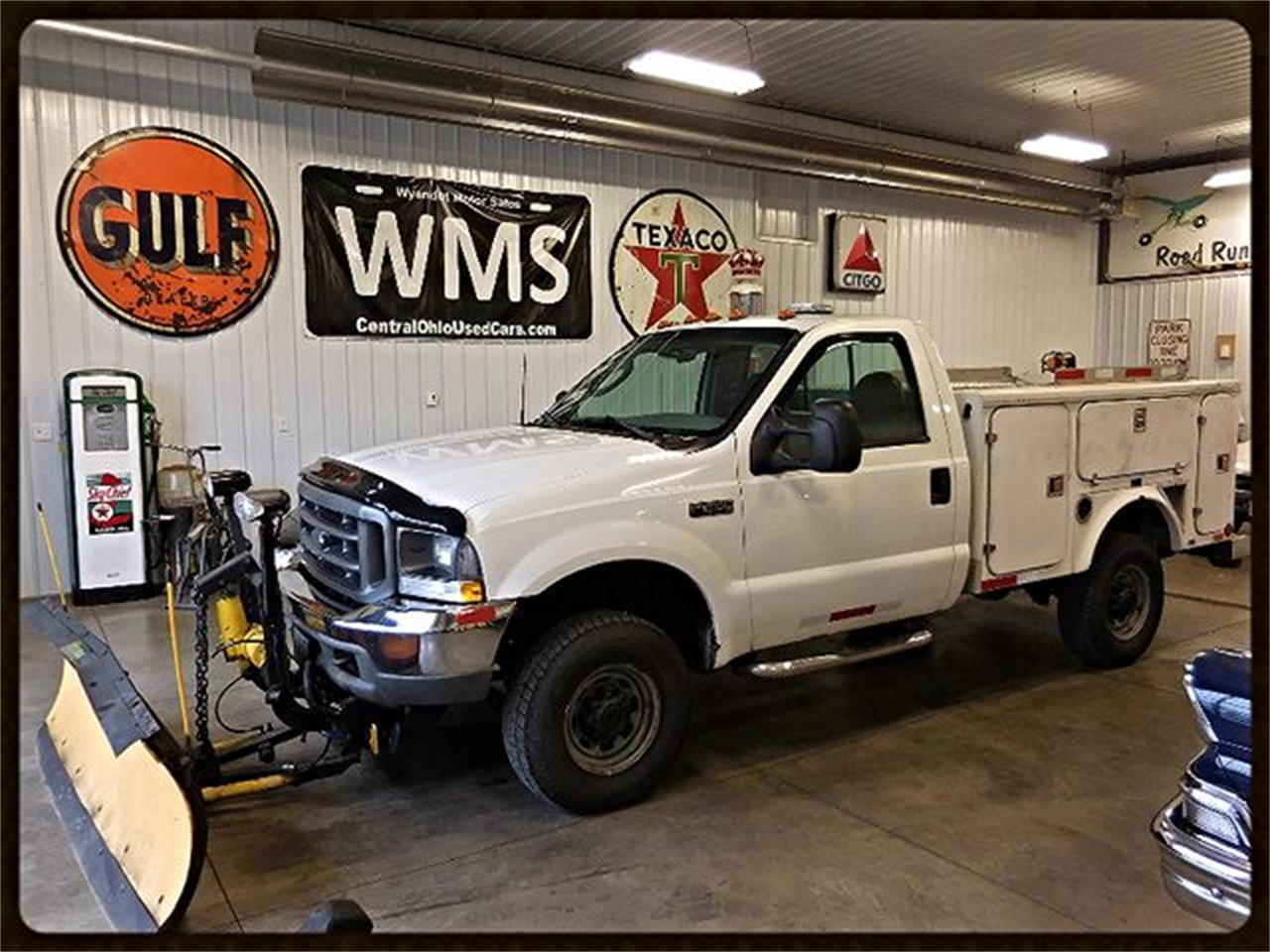 Large Picture of '03 Ford F250 located in Upper Sandusky Ohio Offered by Wyandot Motor Sales - MG27