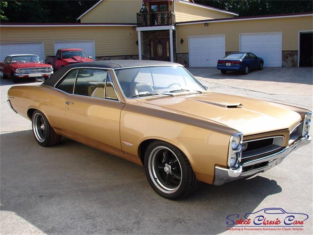 Large Picture of Classic '66 Pontiac LeMans Offered by Select Classic Cars - MG30