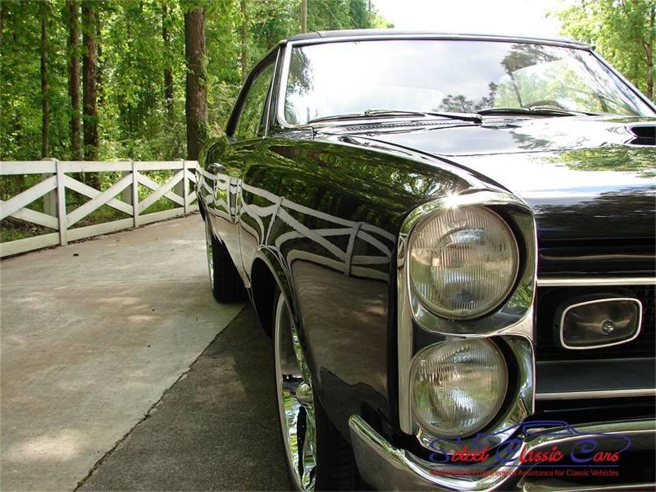 Large Picture of Classic '66 LeMans - MG30