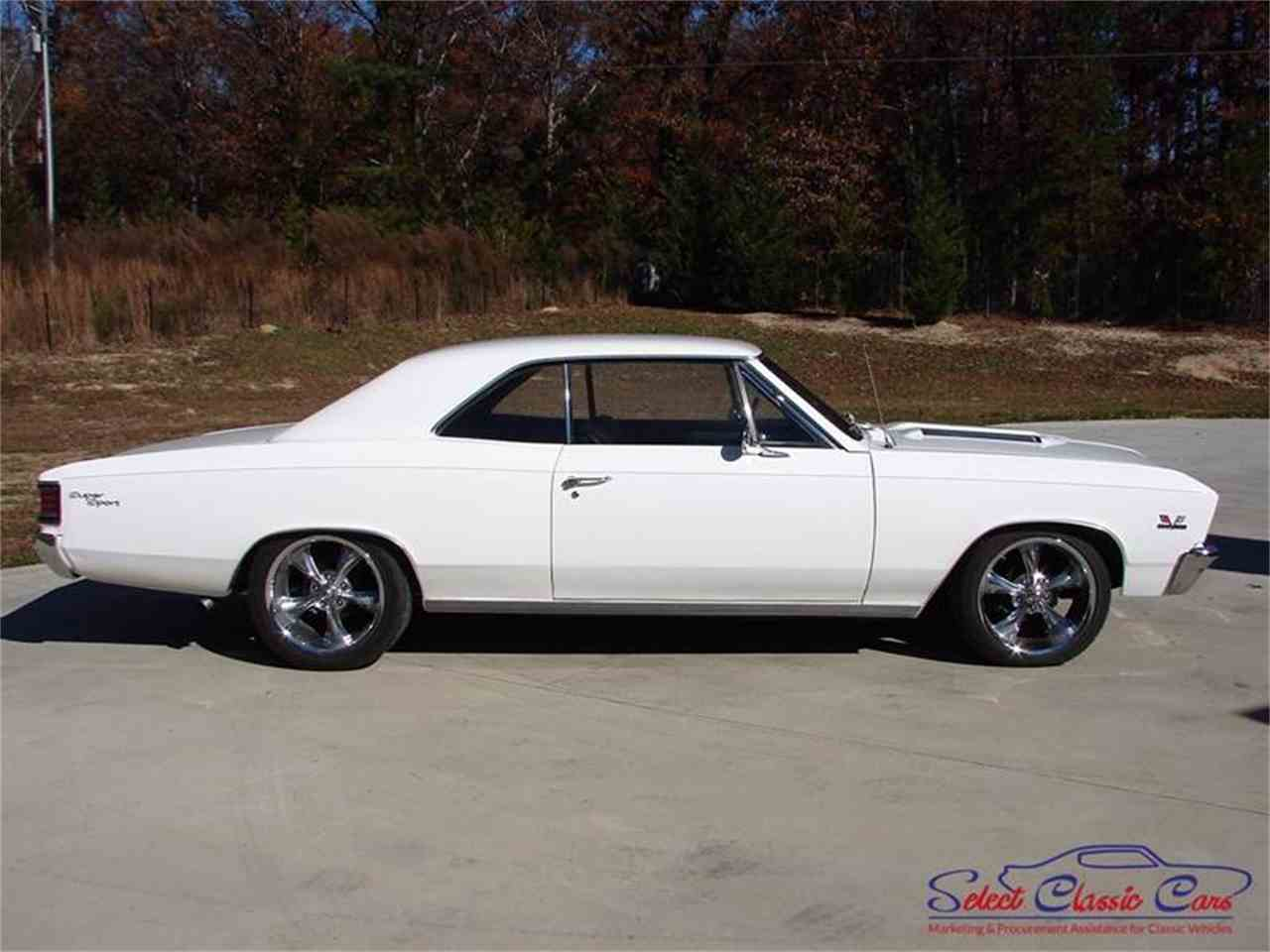Large Picture of '67 Chevelle - MG40