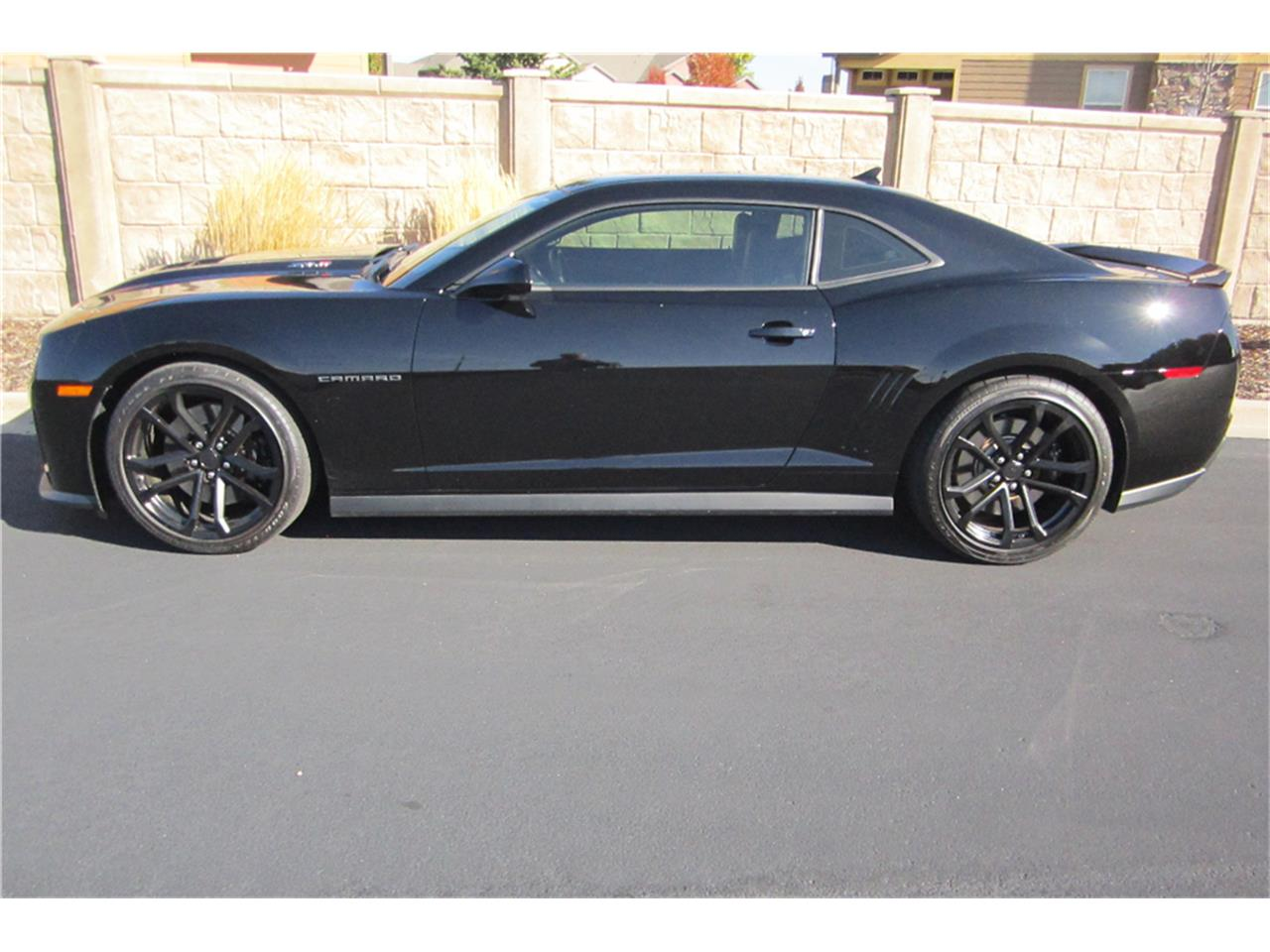 Large Picture of '12 Camaro - MG70