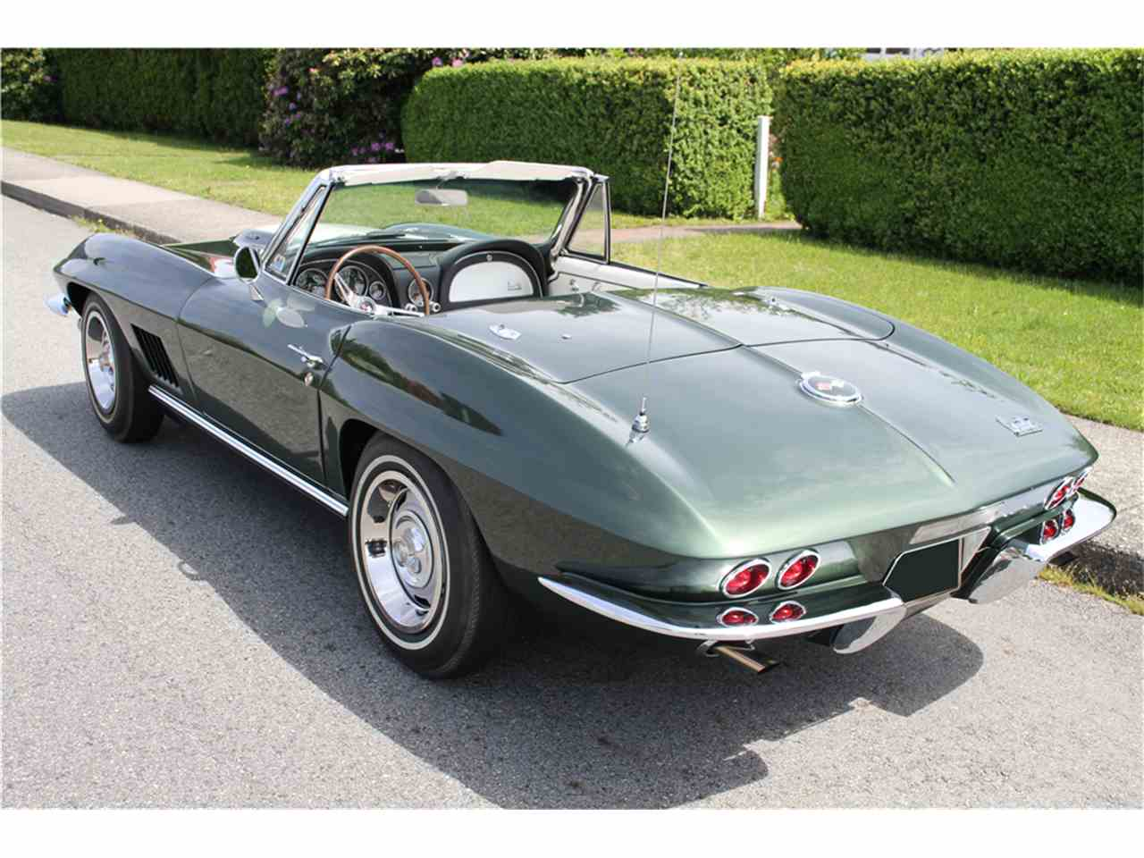 Large Picture of '67 Corvette - MGBP
