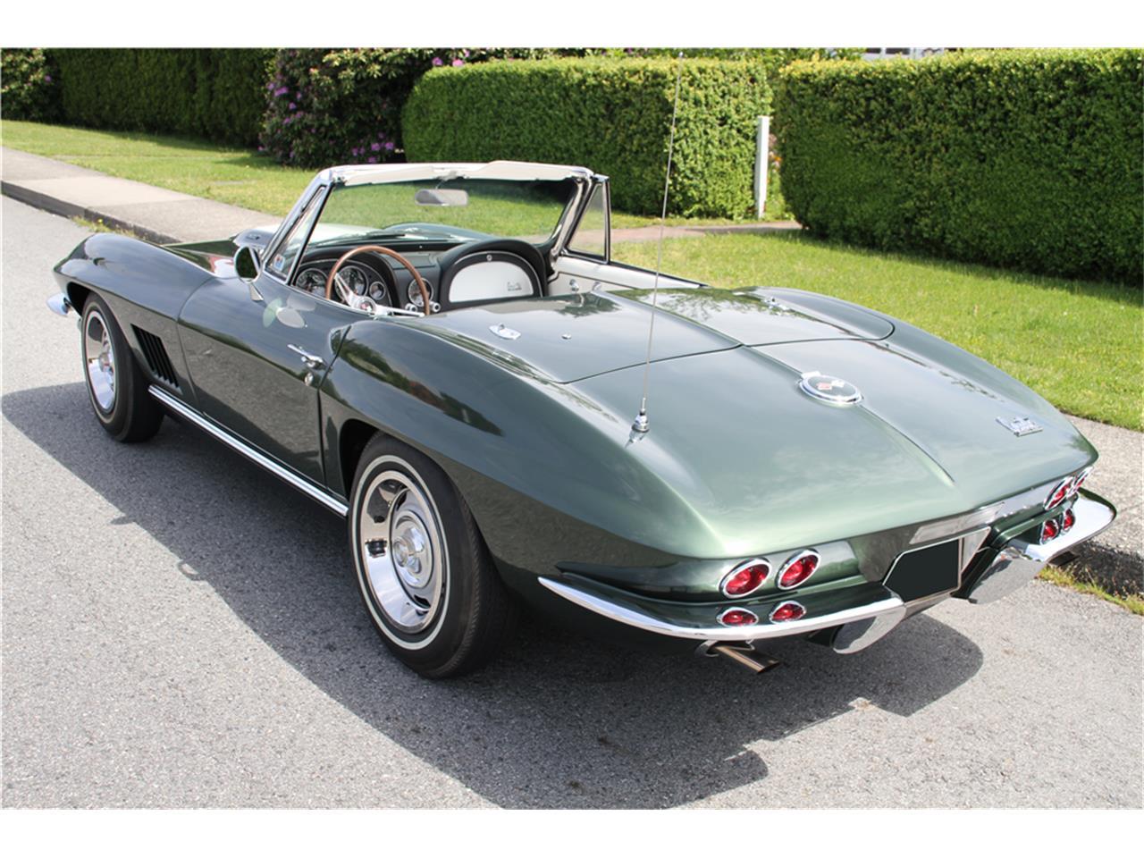 Large Picture of Classic '67 Corvette located in Scottsdale Arizona - MGBP