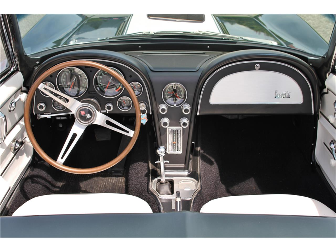 Large Picture of Classic 1967 Corvette Auction Vehicle Offered by Barrett-Jackson Auctions - MGBP