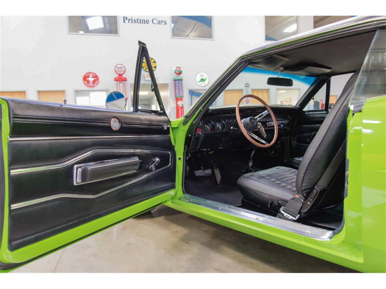 Large Picture of Classic 1970 Dodge Charger - MB1Z