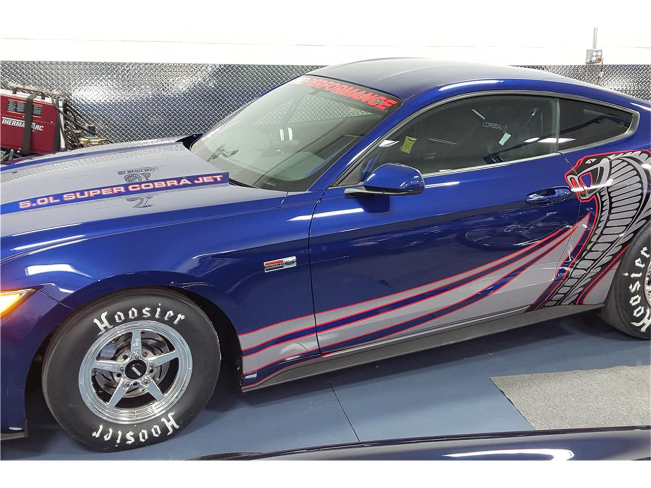 Large Picture of 2016 Ford Mustang Auction Vehicle - MGBW