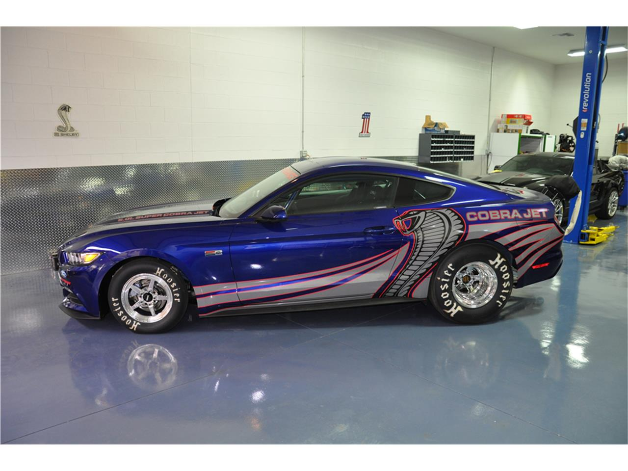 Large Picture of 2016 Ford Mustang Auction Vehicle Offered by Barrett-Jackson Auctions - MGBW