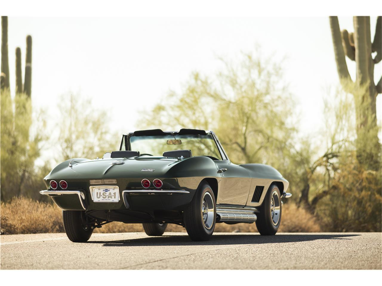 Large Picture of '67 Corvette - MGE2