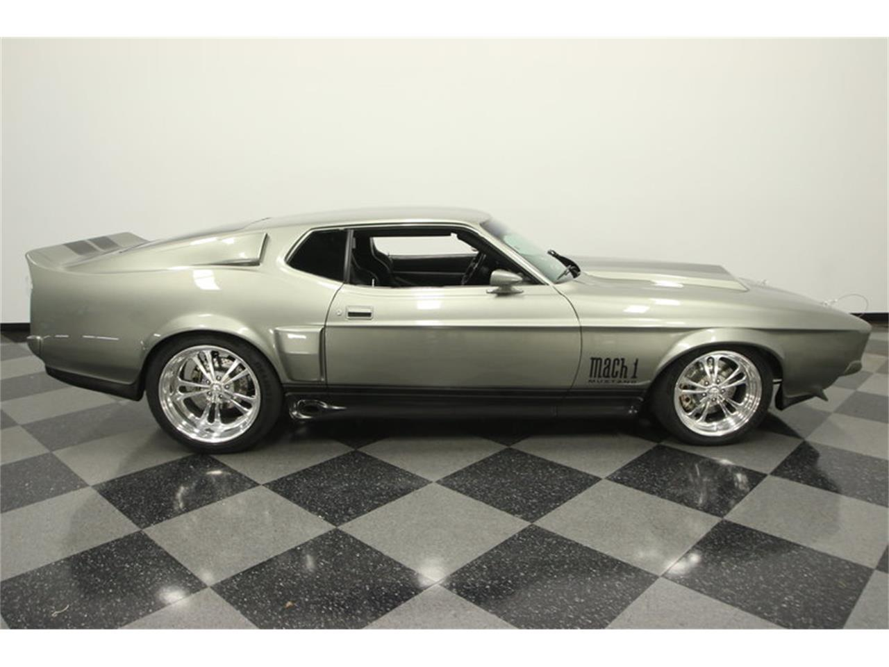 Large Picture of '71 Ford Mustang Fastback Restomod located in Florida - MGHW