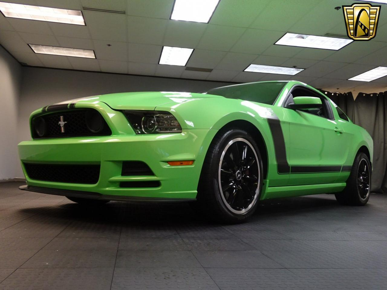 Large Picture of 2013 Ford Mustang - MGI5