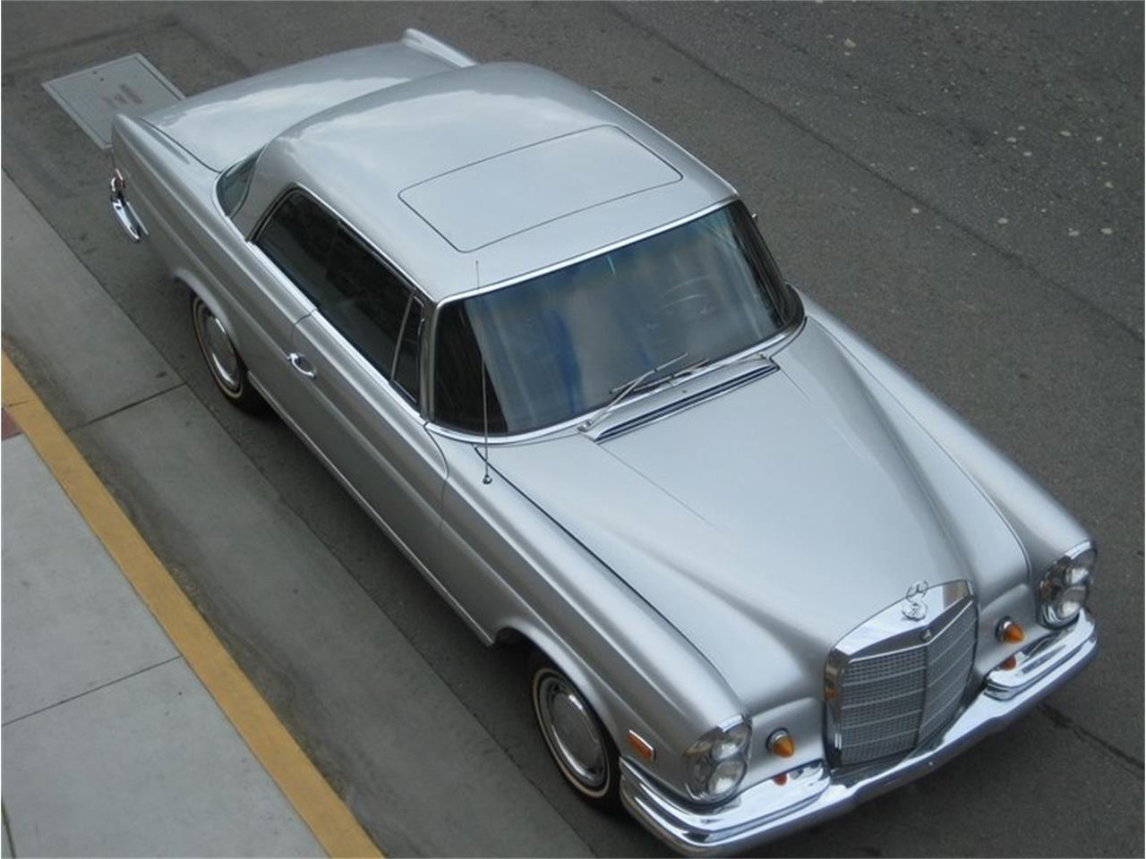 Large Picture of '69 Mercedes-Benz 280SE located in California Offered by Laguna Classic Cars - MGKL