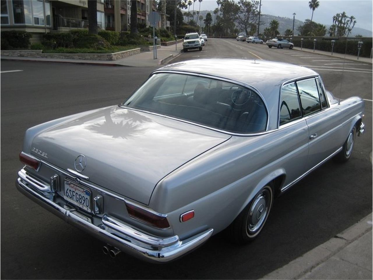 Large Picture of Classic 1969 Mercedes-Benz 280SE located in Laguna Beach California Offered by Laguna Classic Cars - MGKL