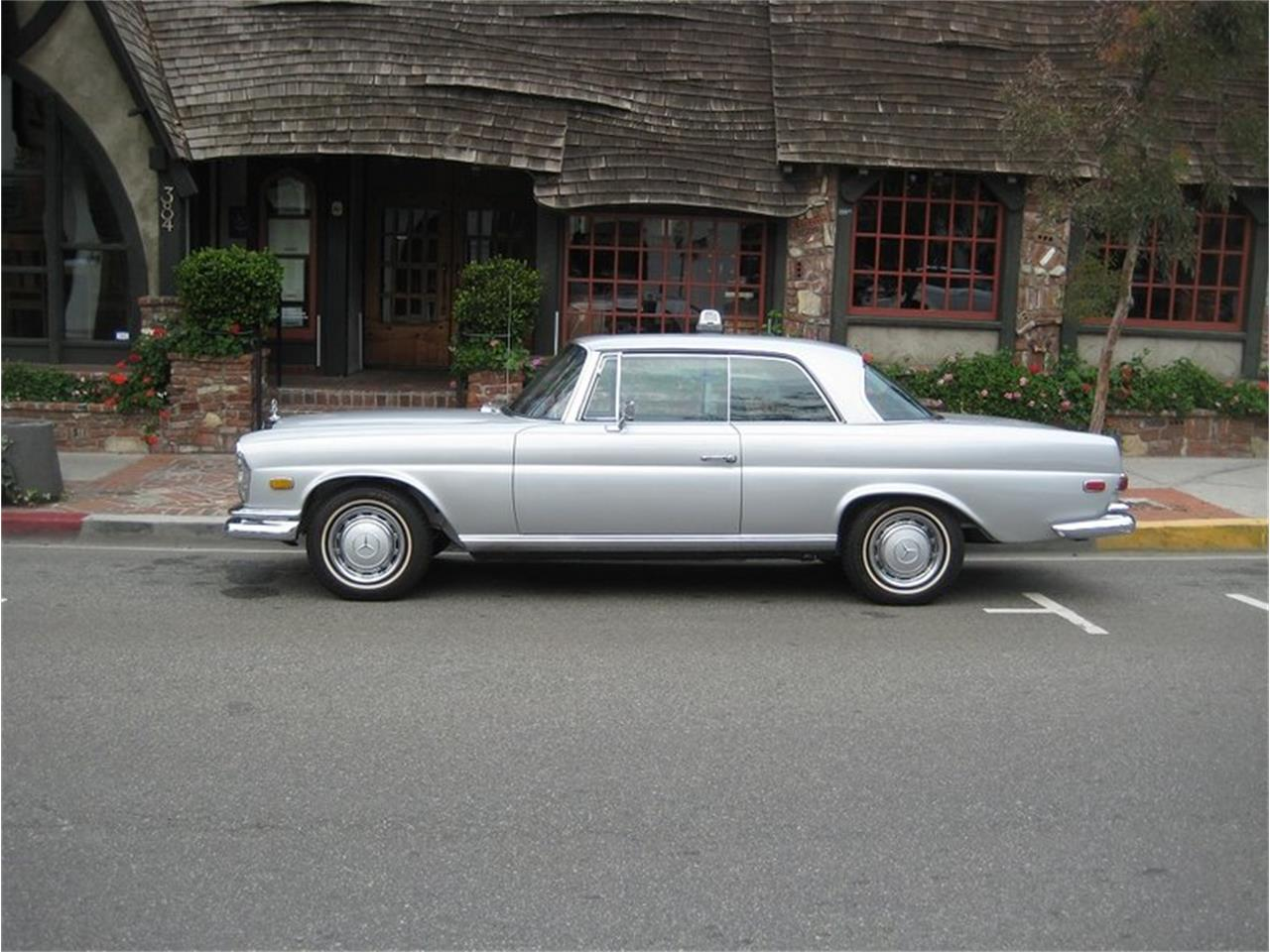 Large Picture of '69 Mercedes-Benz 280SE located in California - MGKL