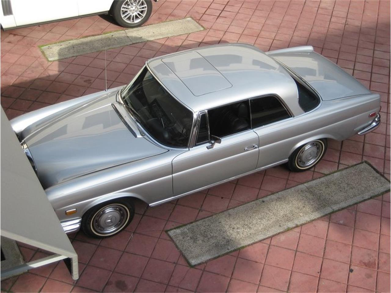 Large Picture of 1969 Mercedes-Benz 280SE located in California - $109,000.00 - MGKL