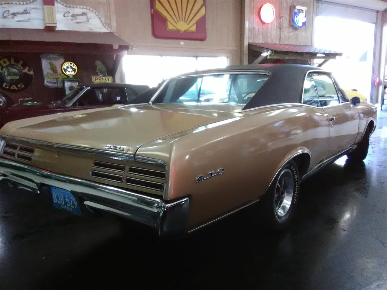 Large Picture of '67 GTO - MGN0