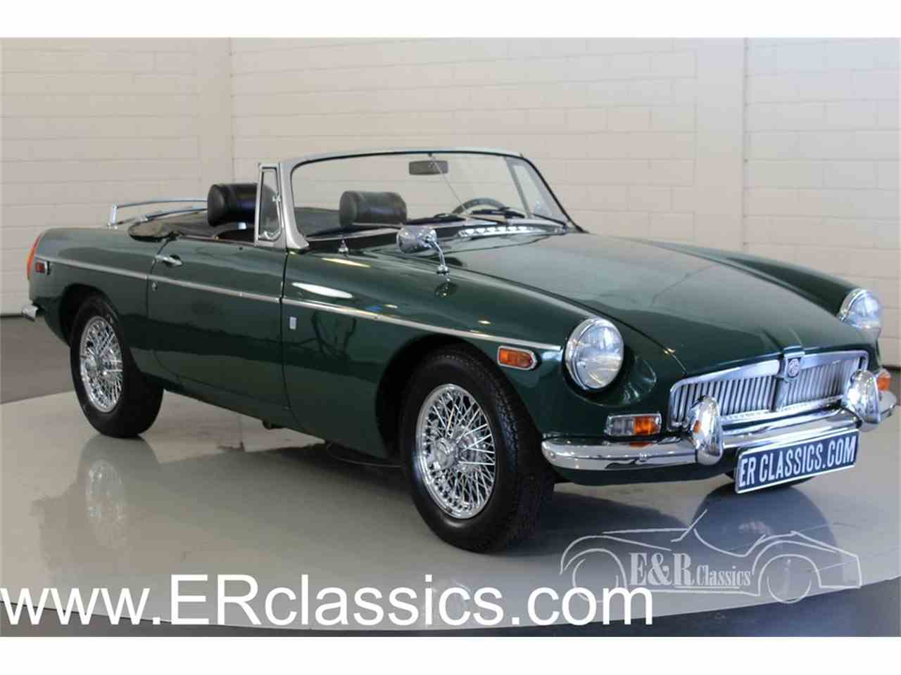 Large Picture of '70 MGB - MGNE