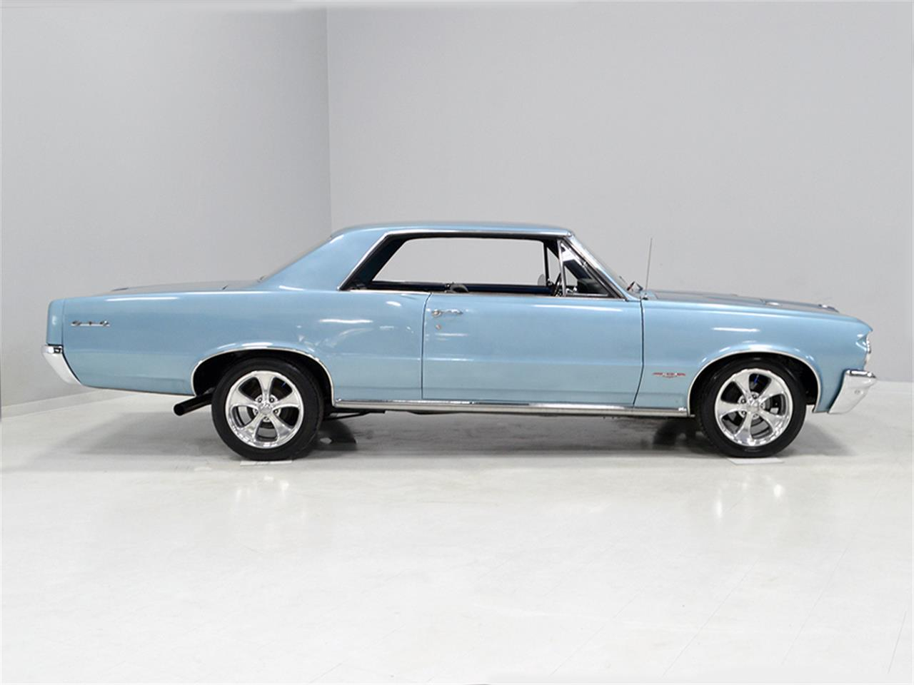 Large Picture of 1964 Pontiac GTO - MGNK