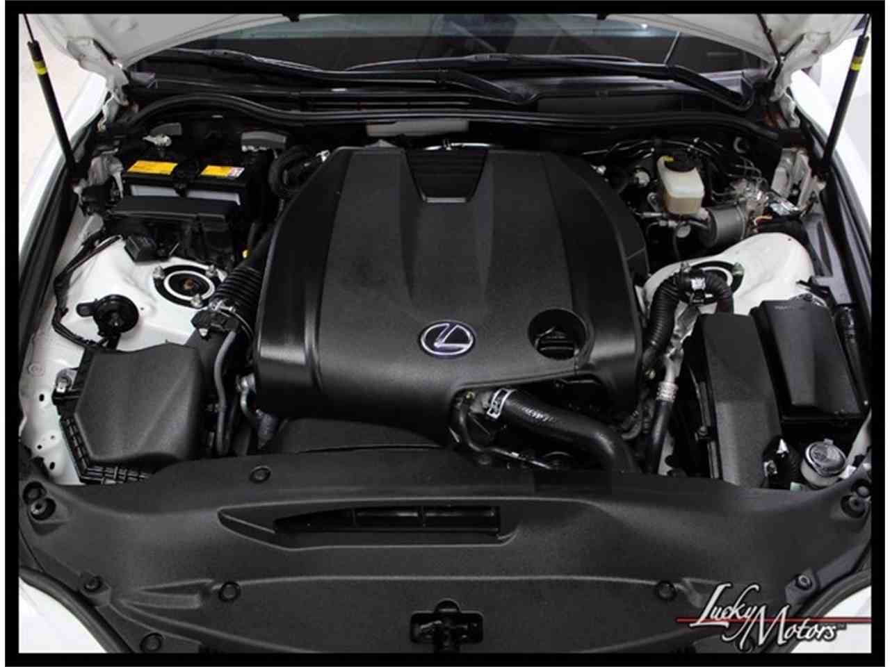 Large Picture of '14 Lexus IS250 located in Elmhurst Illinois Auction Vehicle - MGRE