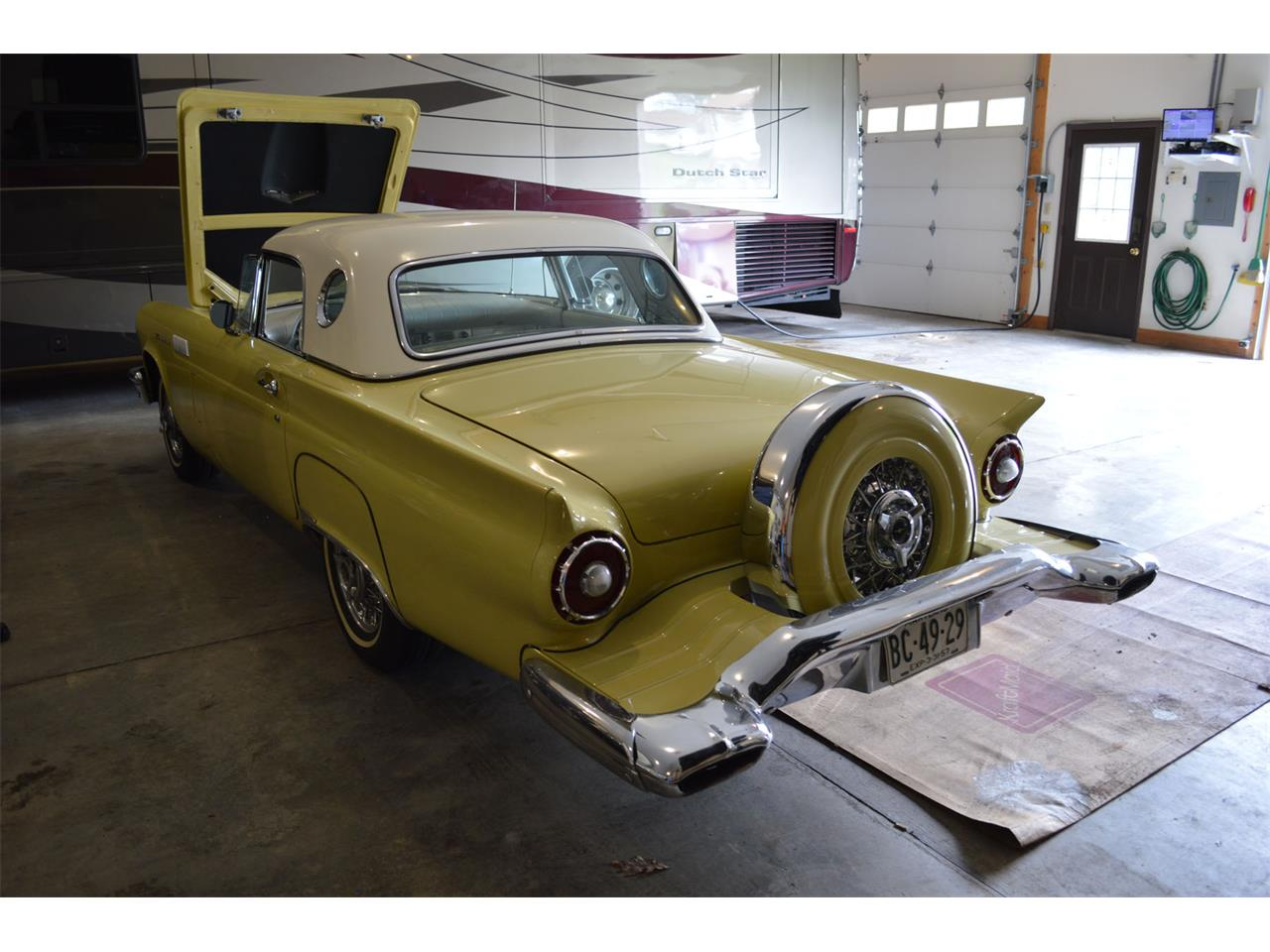 Large Picture of '57 Thunderbird - MGW1