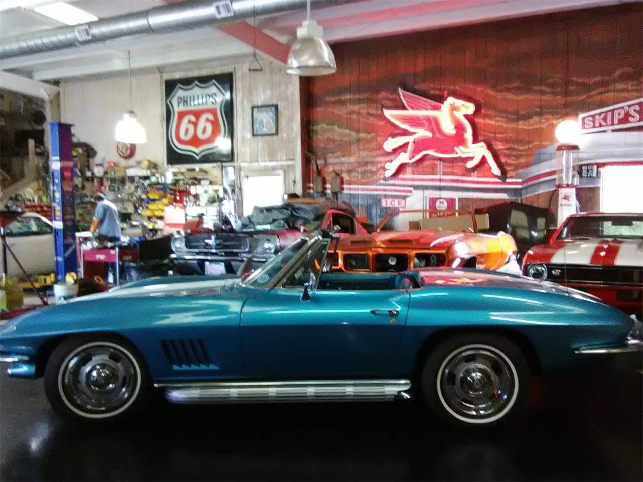 Large Picture of Classic '67 Corvette located in Florida Offered by S & L Classics - MGW4