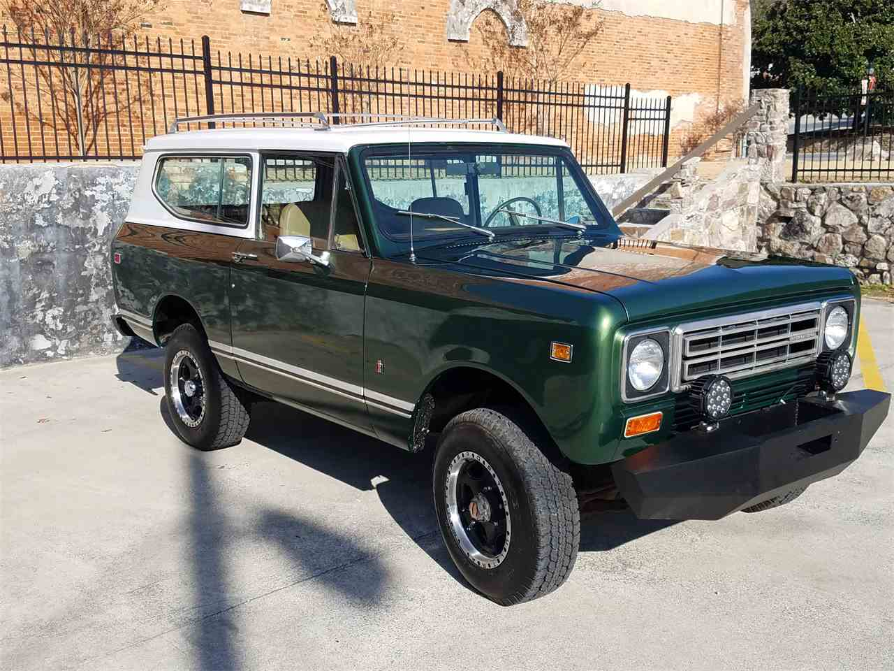 Large Picture of '77 Scout II - MB44