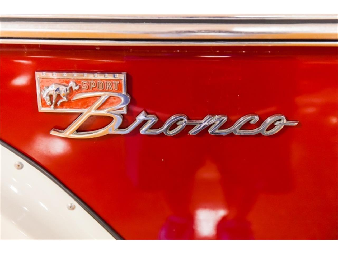 Large Picture of '71 Ford Bronco located in Indiana Pennsylvania - MGXX