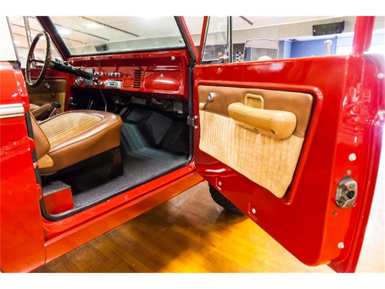 Large Picture of '71 Ford Bronco located in Pennsylvania Offered by Hanksters Muscle Cars - MGXX