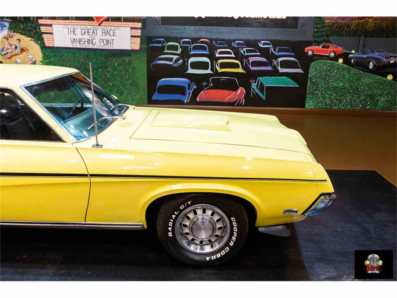 Large Picture of '69 Cougar - MGZ0
