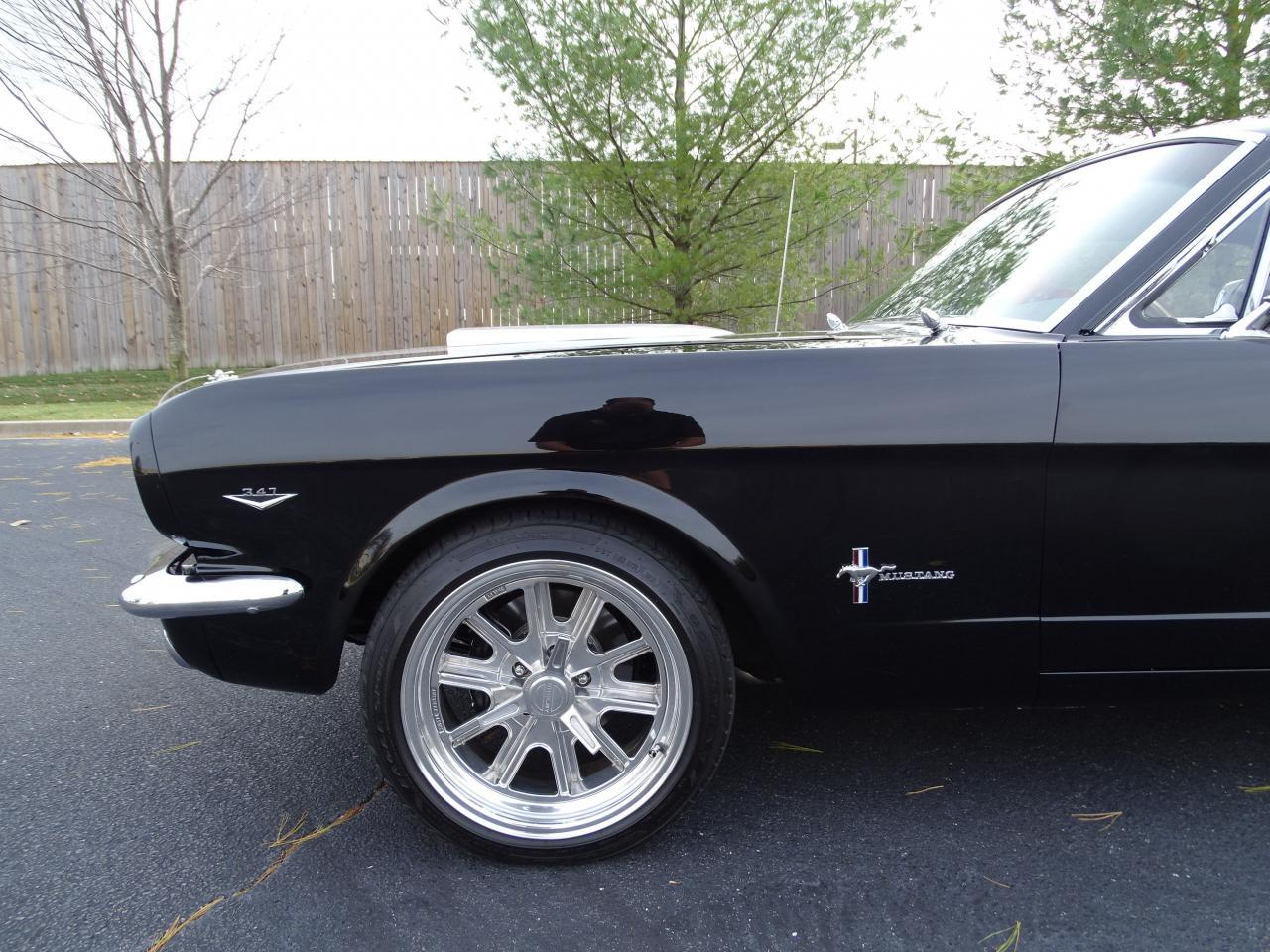 Large Picture of Classic '65 Ford Mustang - $40,995.00 Offered by Gateway Classic Cars - St. Louis - MH00