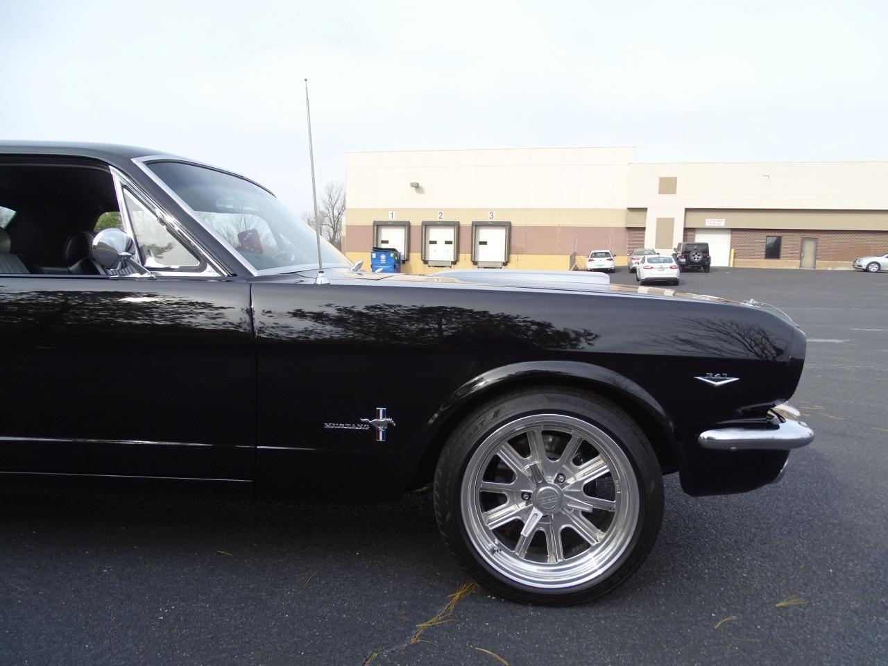 Large Picture of Classic 1965 Mustang located in O'Fallon Illinois - $40,995.00 Offered by Gateway Classic Cars - St. Louis - MH00