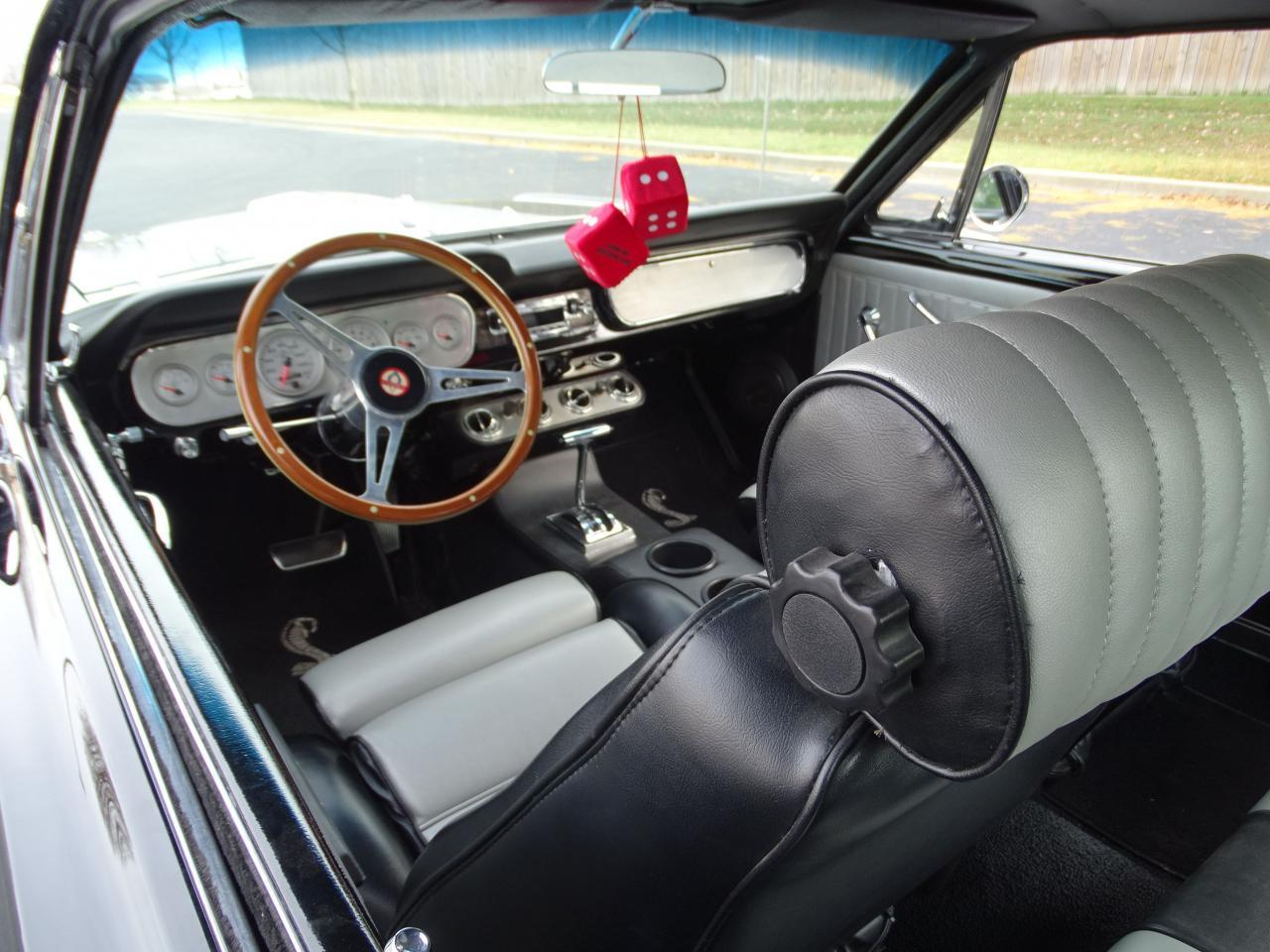 Large Picture of 1965 Mustang - MH00