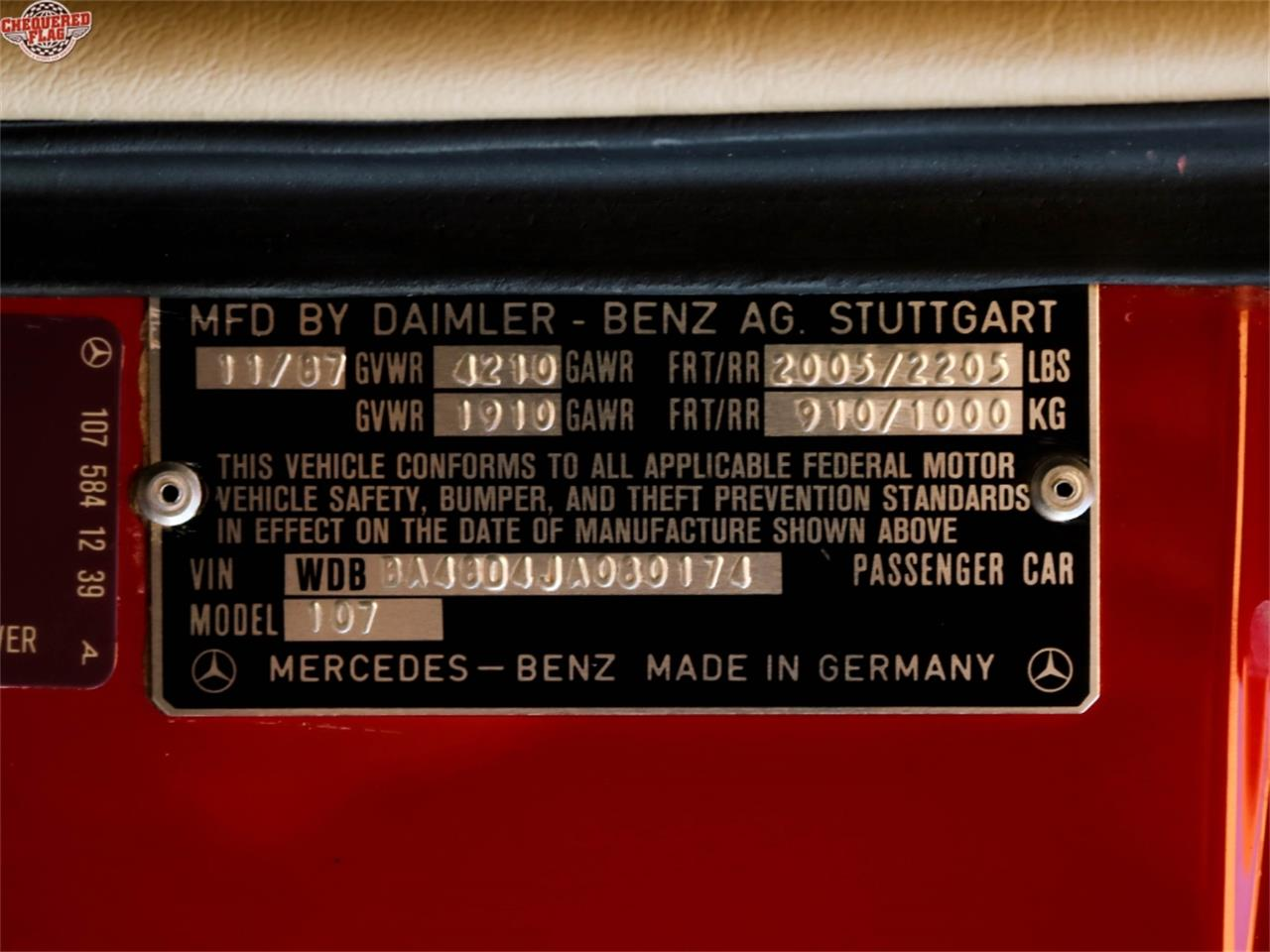 Large Picture of '88 Mercedes-Benz 560 - $43,500.00 - MH09