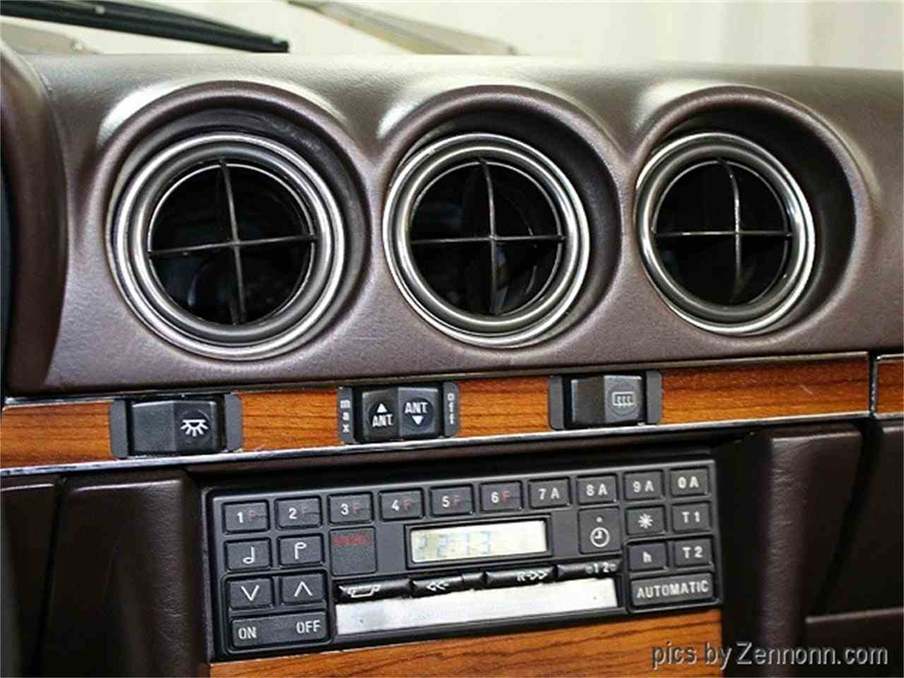 Large Picture of '81 Mercedes-Benz 380 located in Addison Illinois Offered by Auto Gallery Chicago - MH10