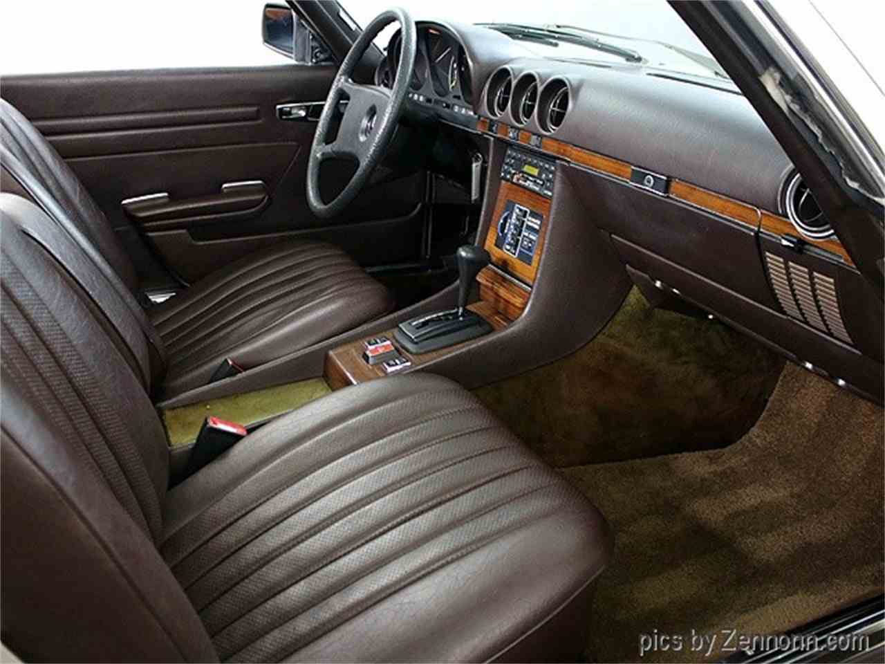 Large Picture of '81 Mercedes-Benz 380 located in Addison Illinois - MH10