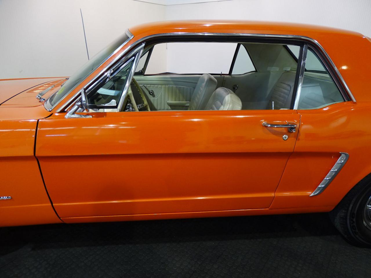 Large Picture of Classic '65 Ford Mustang located in Indianapolis Indiana Offered by Gateway Classic Cars - Indianapolis - MB4P