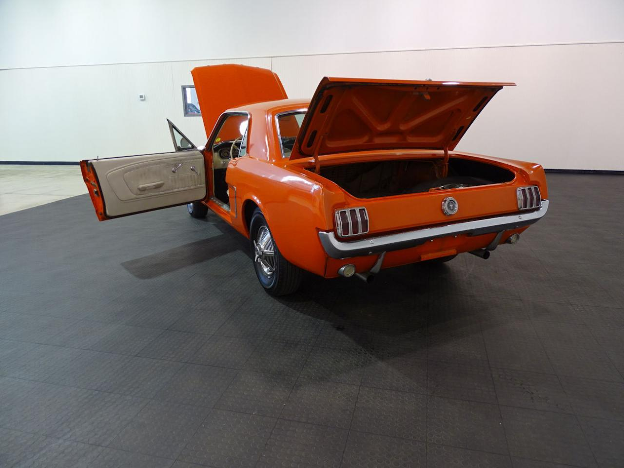 Large Picture of 1965 Ford Mustang - MB4P