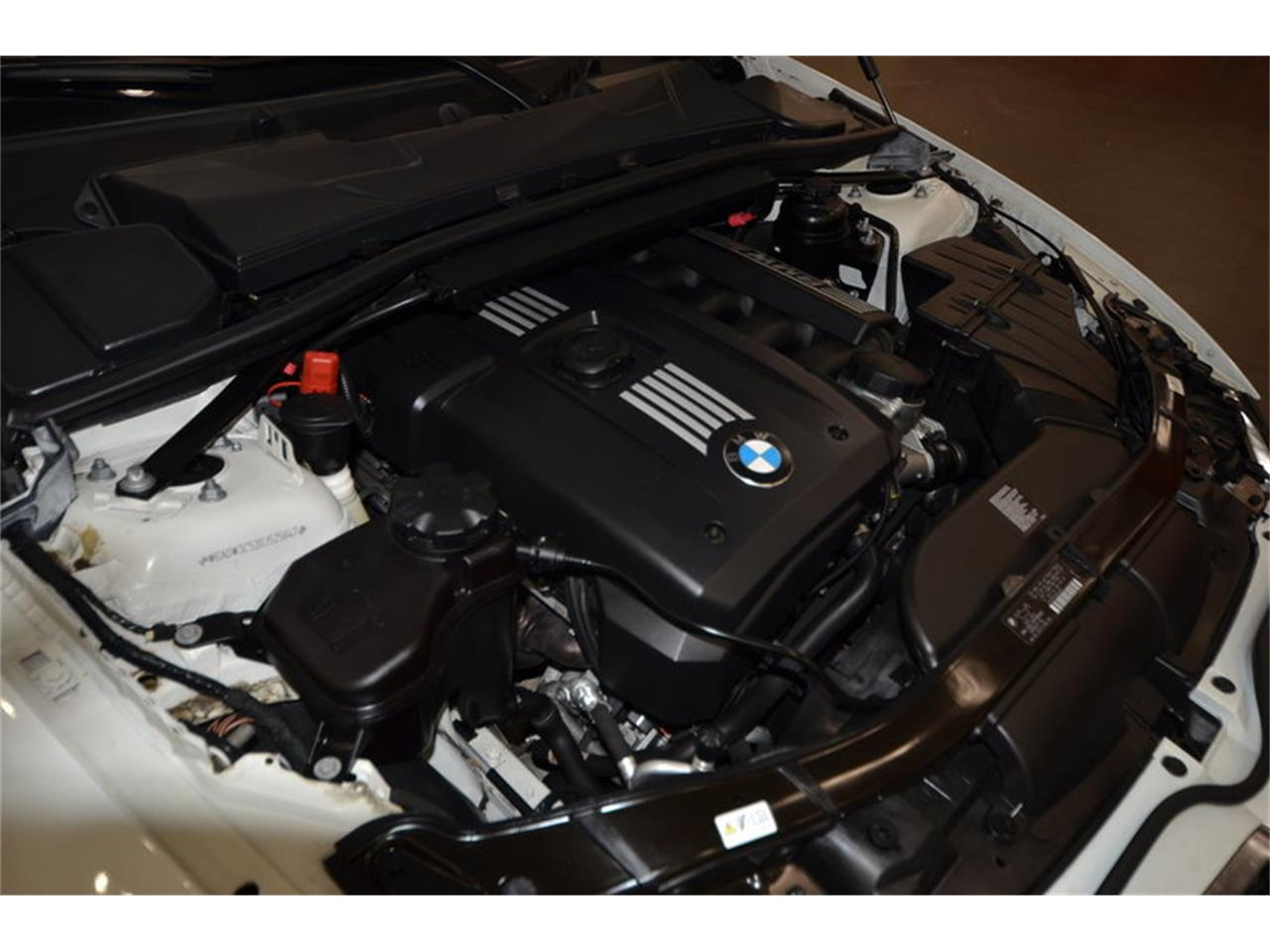 Large Picture of '13 328i - $29,900.00 Offered by Texas Trucks and Classics - MH5F