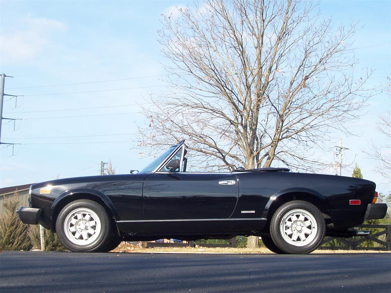 Large Picture of 1985 Fiat Spider - $14,900.00 - MH5P