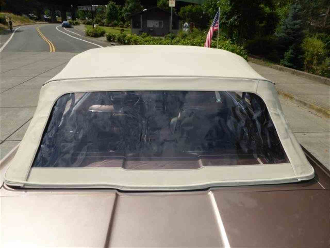 Large Picture of Classic 1964 Ford Thunderbird located in gladstone Oregon - MH66