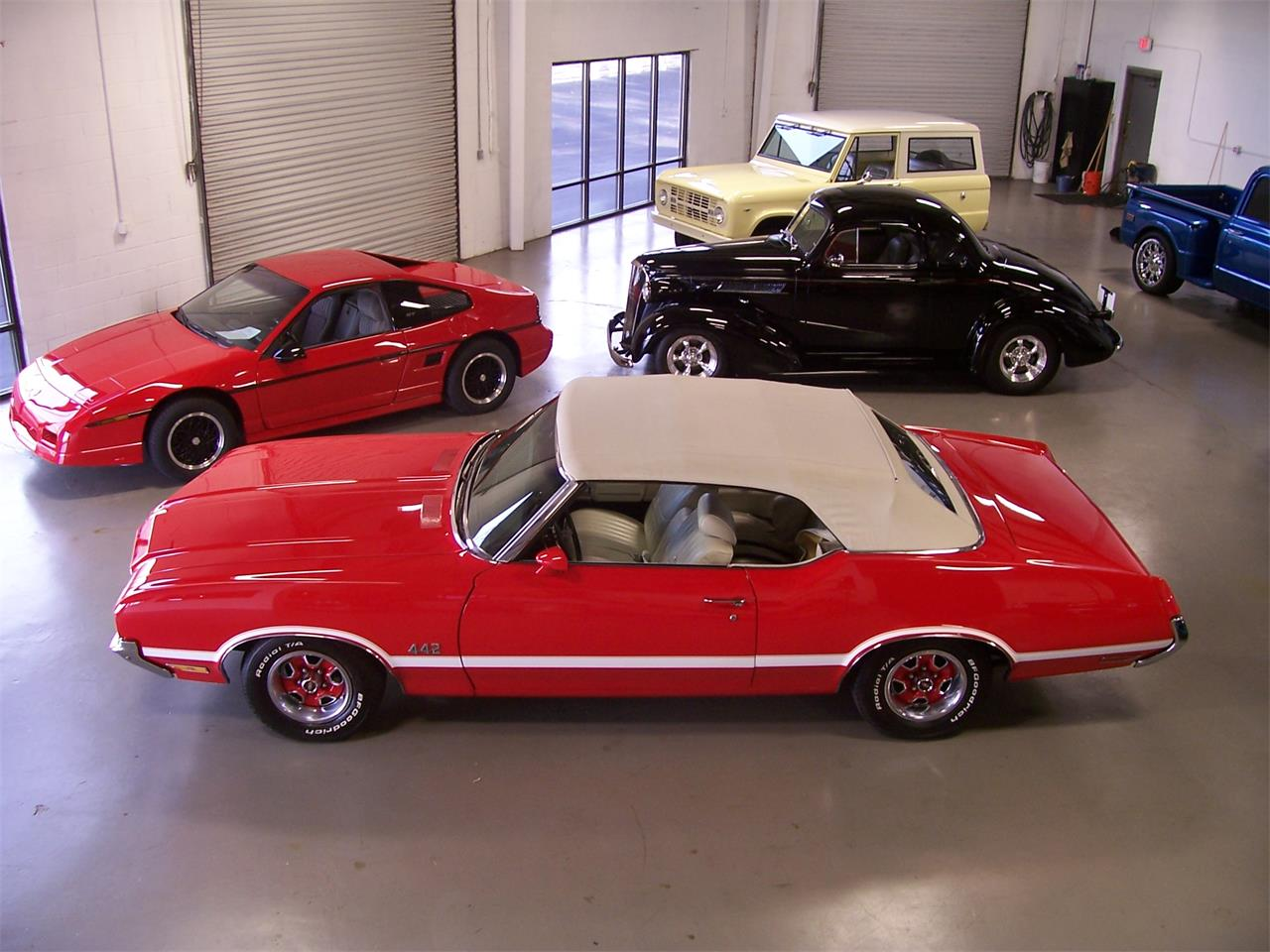 Large Picture of 1971 Oldsmobile Cutlass - $38,500.00 - MH68