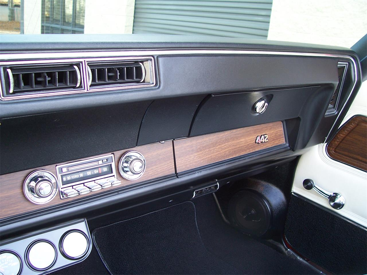 Large Picture of Classic '71 Oldsmobile Cutlass - $38,500.00 - MH68