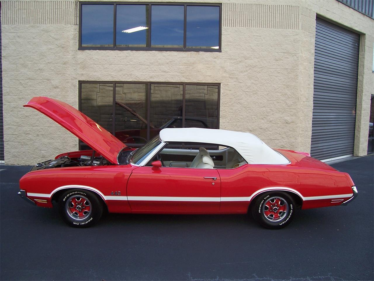 Large Picture of '71 Oldsmobile Cutlass - $38,500.00 - MH68