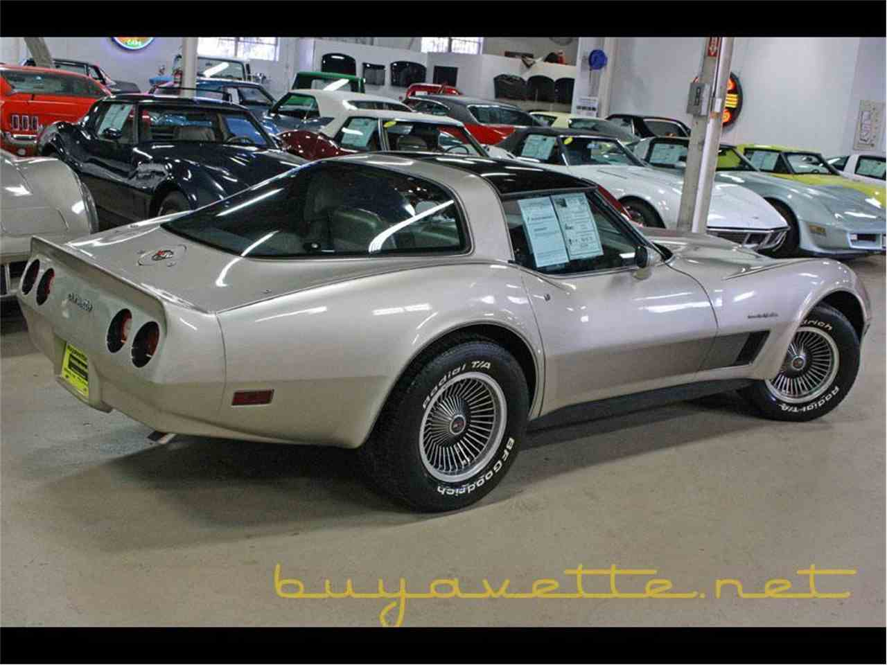 Large Picture of '82 Corvette - MH9X