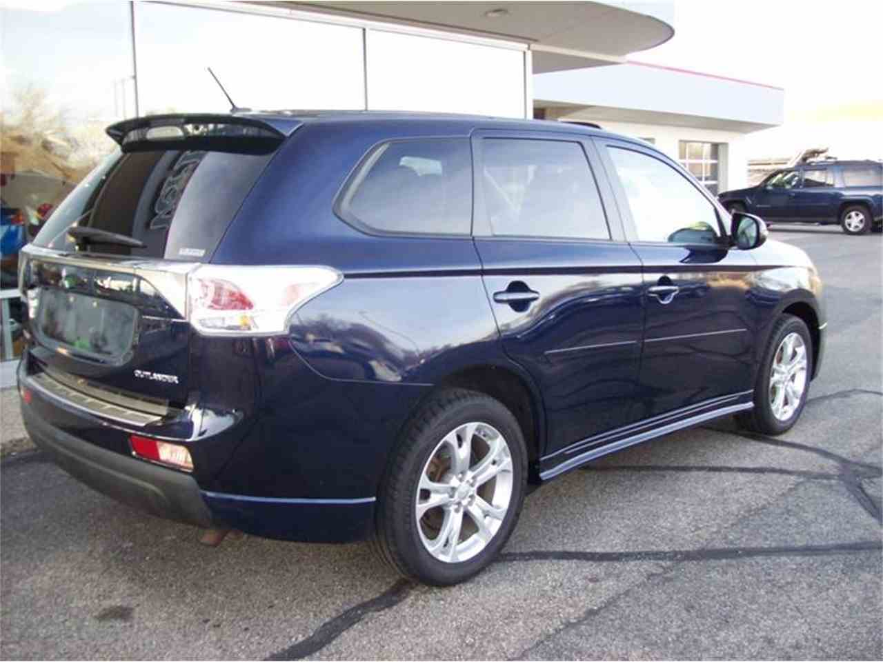 Large Picture of '14 Outlander located in Holland Michigan - $17,495.00 Offered by Verhage Mitsubishi - MB5J