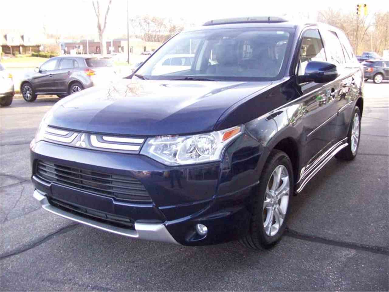 Large Picture of 2014 Outlander - $17,495.00 Offered by Verhage Mitsubishi - MB5J