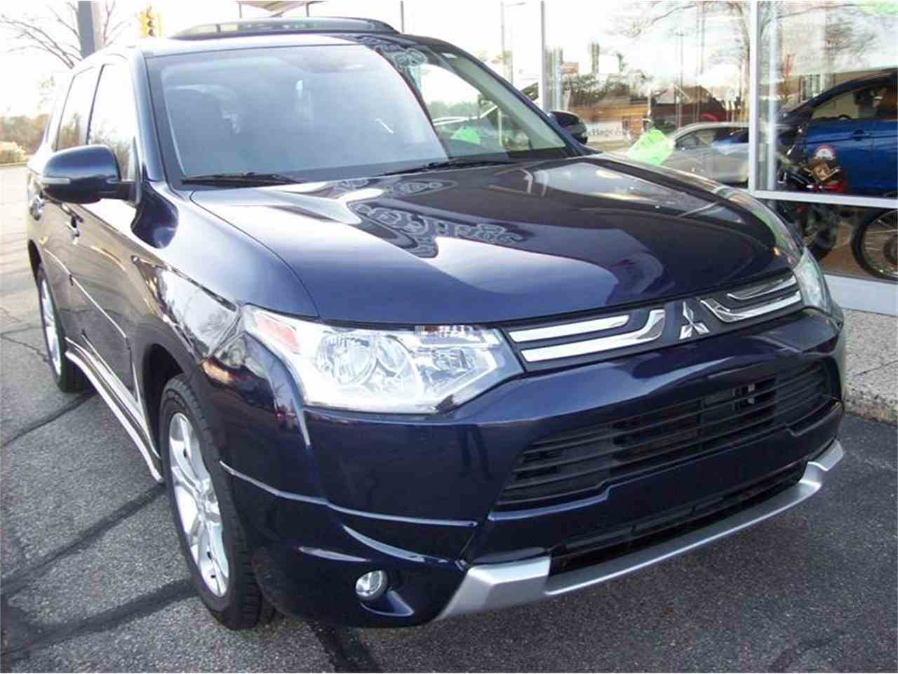 Large Picture of '14 Outlander located in Michigan - $17,495.00 - MB5J