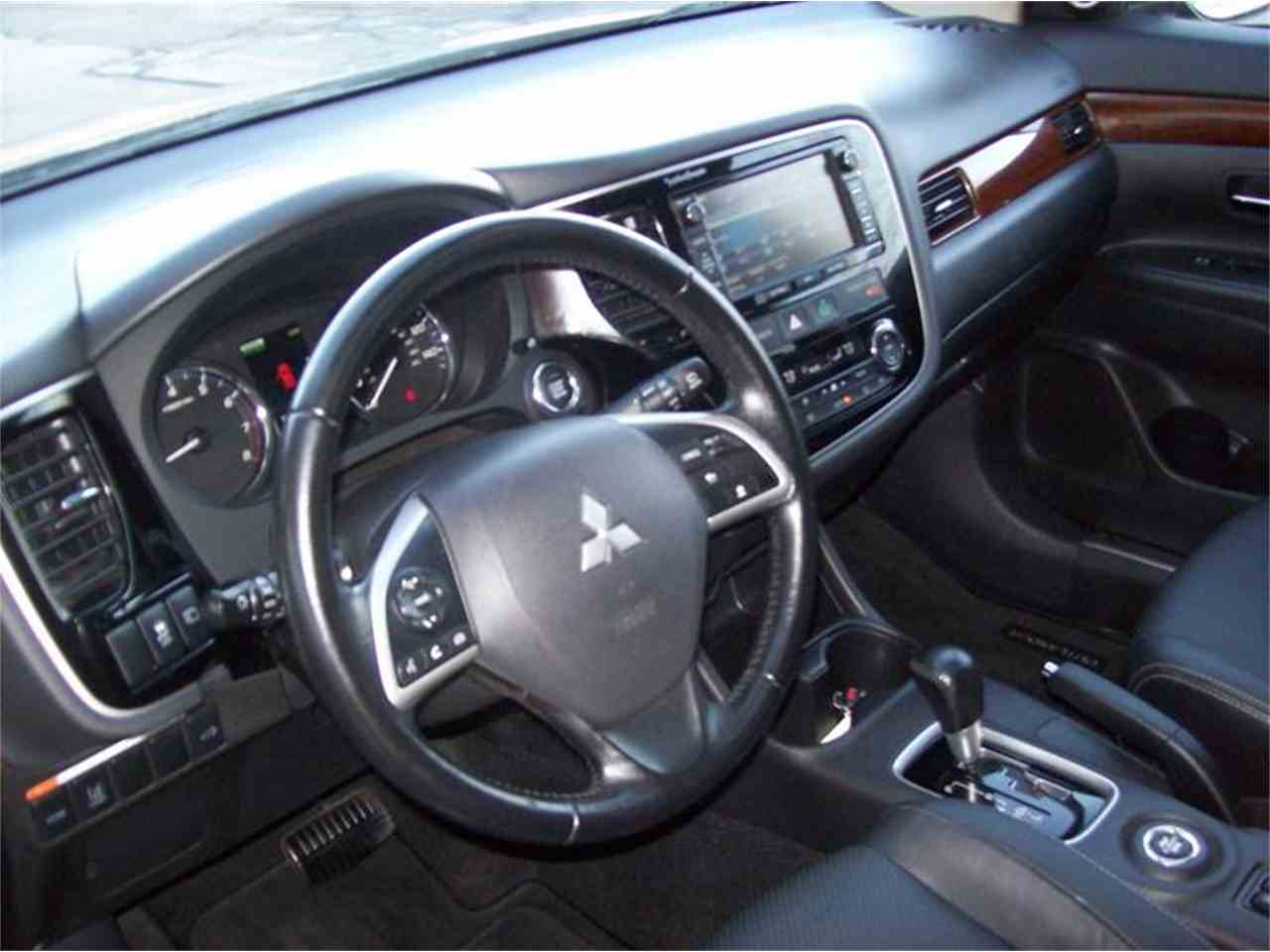Large Picture of 2014 Mitsubishi Outlander located in Michigan - $17,495.00 - MB5J